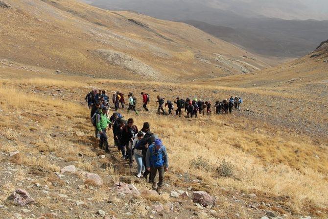 CİSAD dağcıları 3764 metre Karadağa zirve yaptı galerisi resim 1