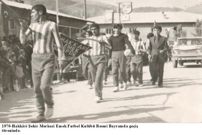 Hakkâri futbolunda eski kareler… galerisi resim 1