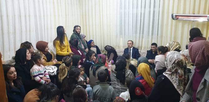 Başkan Epcim, kadınlara Gül dağıttı galerisi resim 15