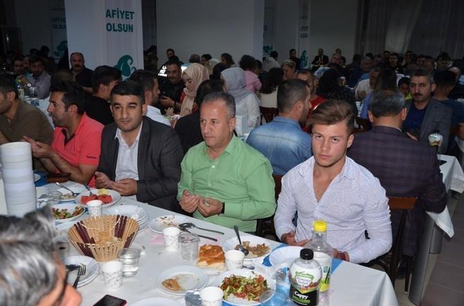 Vali Akbıyık sağlık çalışanları ile iftar açtı galerisi resim 10