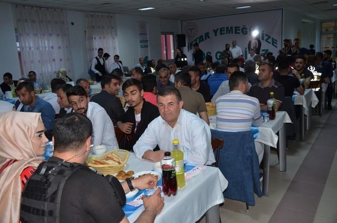 Vali Akbıyık sağlık çalışanları ile iftar açtı galerisi resim 7