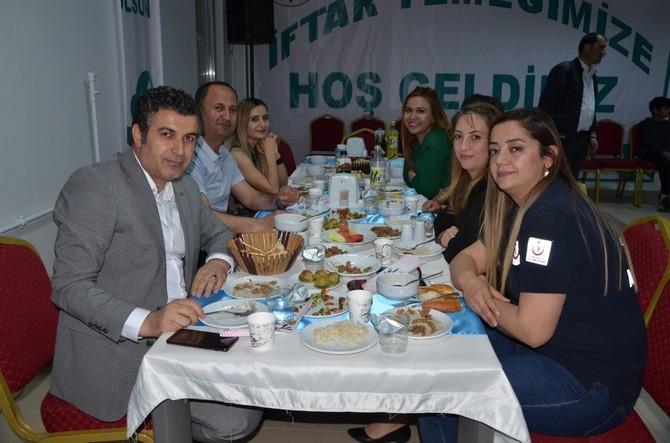 Vali Akbıyık sağlık çalışanları ile iftar açtı galerisi resim 8