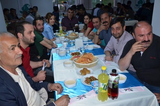 Vali Akbıyık sağlık çalışanları ile iftar açtı galerisi resim 9