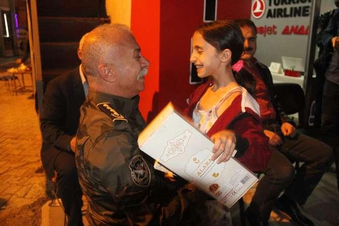 Vali Akbıyık vatandaşın bayramını kutladı galerisi resim 5