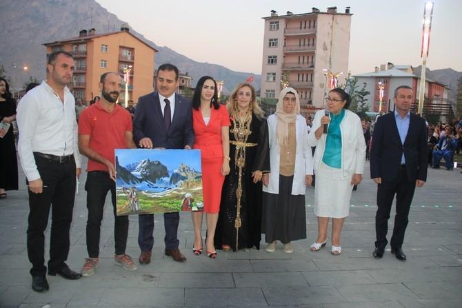 Ankaralı kadınlar Hakkari'ye renk kattı galerisi resim 11
