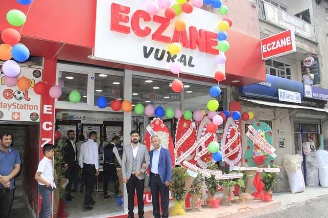 Hakkari'de Vural Eczanesi Hizmete Açıldı galerisi resim 13