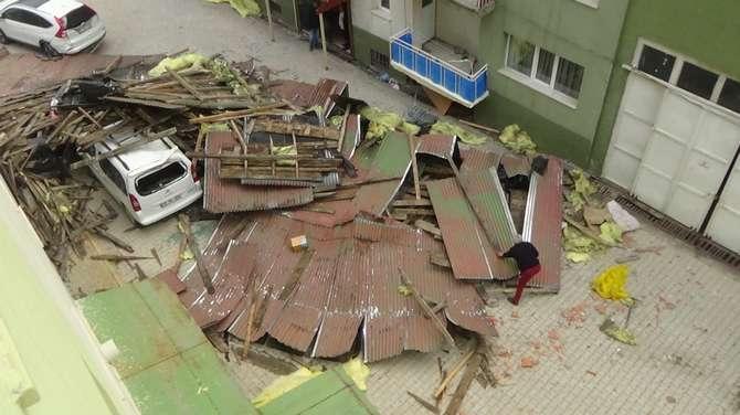Hakkari'de fırtına dehşeti yaşandı galerisi resim 2