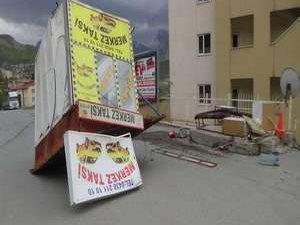 Hakkari'de fırtına dehşeti yaşandı