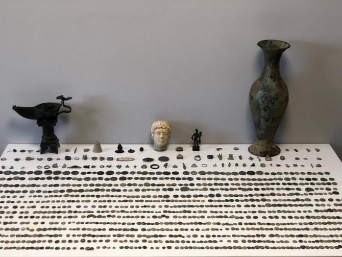 Paha biçilemez eserler süpürge kutusundan çıktı galerisi resim 4