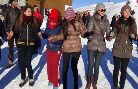 Kayak merkezi halaylarla açıldı galerisi resim 23