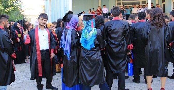 Üniversite mezuniyet töreni 2015 galerisi resim 1