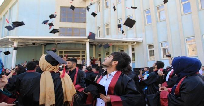 Üniversite mezuniyet töreni 2015 galerisi resim 2
