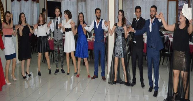 Sümbül Anadolu Lisesi mezuniyet gecesi galerisi resim 12