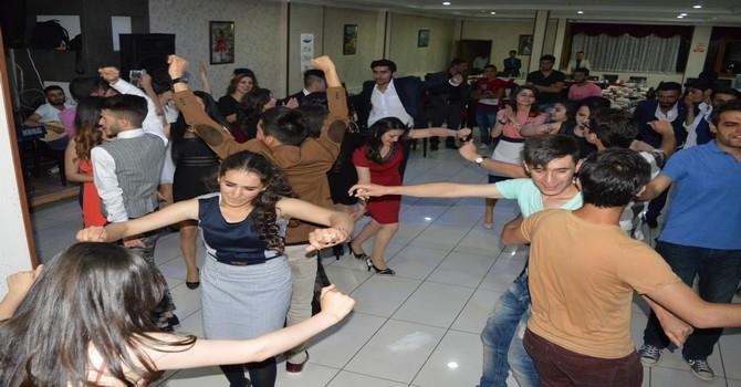 Sümbül Anadolu Lisesi mezuniyet gecesi galerisi resim 27