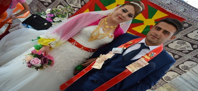 Nazdar ile Azad Ölmez'in çiftinin mutlu günü galerisi resim 8