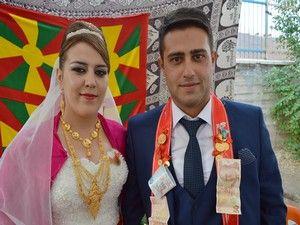 Nazdar ile Azad Ölmez'in çiftinin mutlu günü