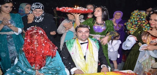Akdağ ile Topuz ailesinin mutlu günü galerisi resim 17
