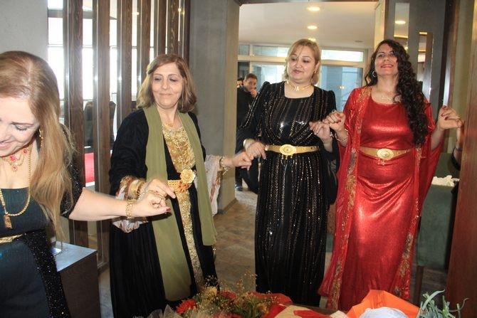 Hakkari'de Halaylı 8 Mart kutlaması galerisi resim 16