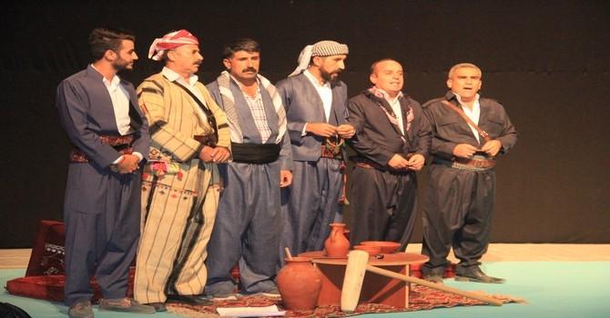 Bir tutam kültür tiyatro oyunu galerisi resim 4