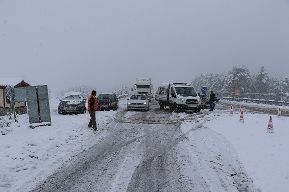 Mevsimin ilk karı yurtta etkili oldu galerisi resim 1