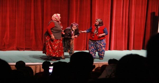Arslanköy kadın tiyatro topluluğu galerisi resim 3