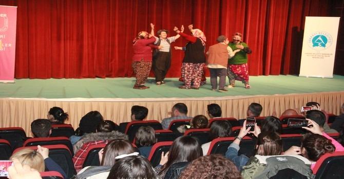 Arslanköy kadın tiyatro topluluğu galerisi resim 7
