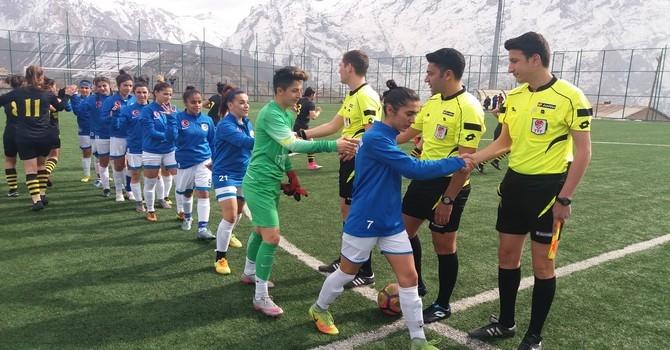 Alkışlar Kadın Futbol Takımına.. galerisi resim 15