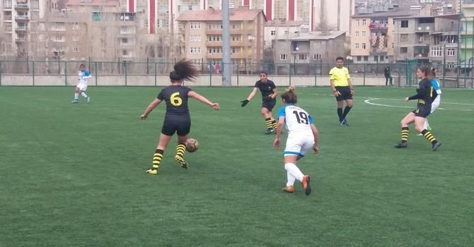 Alkışlar Kadın Futbol Takımına.. galerisi resim 9