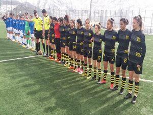 Alkışlar Kadın Futbol Takımına..