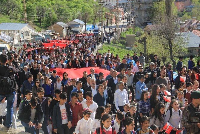 Çukurca'da binler yürüdü galerisi resim 1