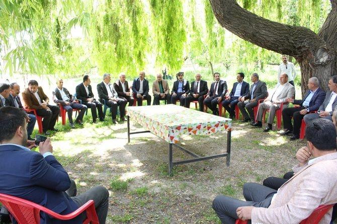 AK Parti heyeti Yüksekova'da! galerisi resim 1