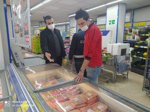 Hakkari'de zincir marketler denetlendi