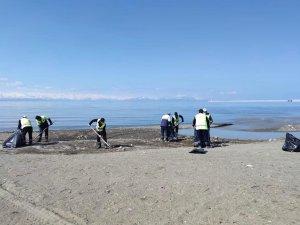 Vangölü sahilinde bahar temizliği