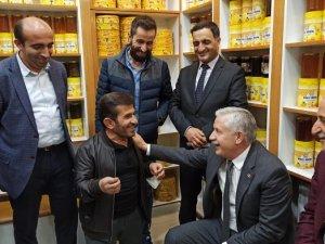 Başkan Özbek köyleri ziyaret etti