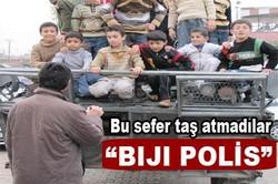 ÇOCUKLAR BİJİ POLİS SLOGANLARI ATTI