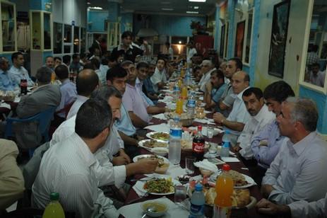 Başkan'dan imamlara iftar yemeği