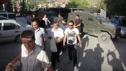 Hakkari'de oy torbaları zırhlı araçlarla geldi