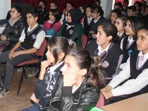 Hakkari'de öğrencilere beslenme ve hijyen eğitimi verildi