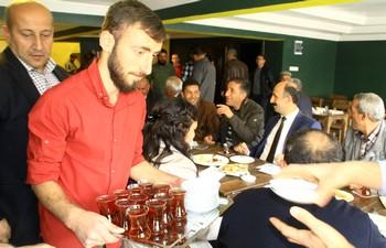"""Hakkari'de """"NOVELLA CAFE"""" hizmete açıldı"""