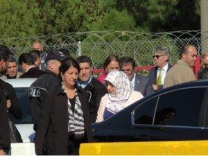 HDP'liler Kışanak'ı cezaevinde ziyaret etti