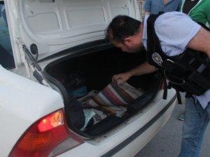 Çukurca ve Şemdinli'de kaçakçılık operasyonu