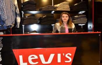 Levi's kışlık ürünlerde kampanya başlattı