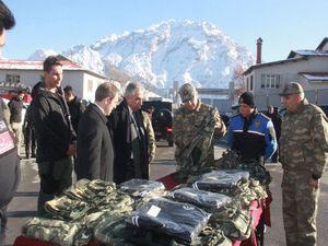 102 güvenlik korucusuna özel giyim malzemesi dağıtıldı