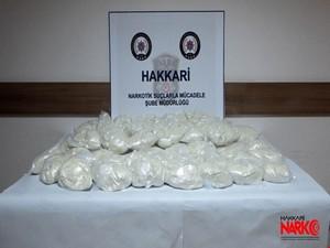 Hakkari-Van karayolunda 45 kilo eroin ele geçirildi