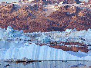 Kuzey Kutbu hızlı erime içinde