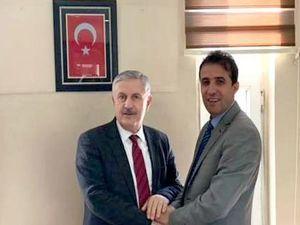 Eski Milletvekili Özbek'ten Başkan Tekin'e tebrik ziyareti