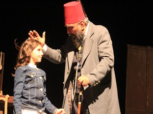 Hakkari'de Usta isimli tiyatro oyunu sergilendi