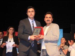Hakkari Haber Tv'ye başarı ödülü verildi