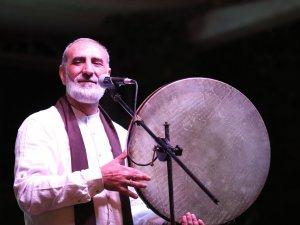 Grup Tillo Çukurca'da konser verdi