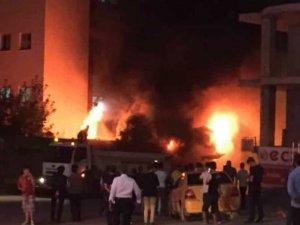 Hakkari'de gece yarısı korkutan yangın